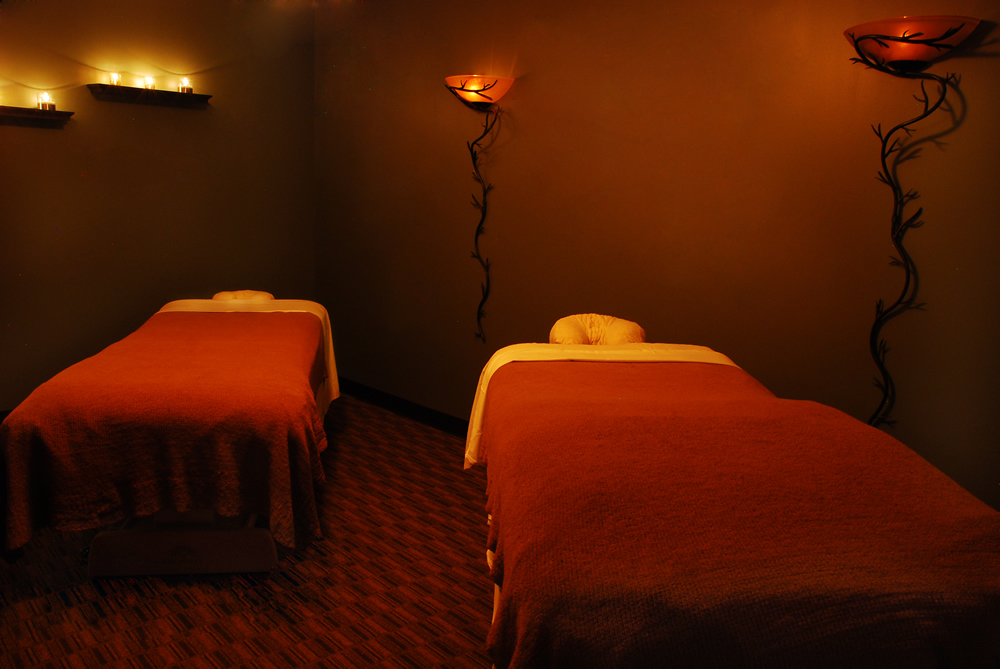 Massages, facials, waxings, manicures, pedicures and hair cut and color are on the menu at Changes. A regional spa destination for years, Changes is modern, friendly, professional, and affordable.